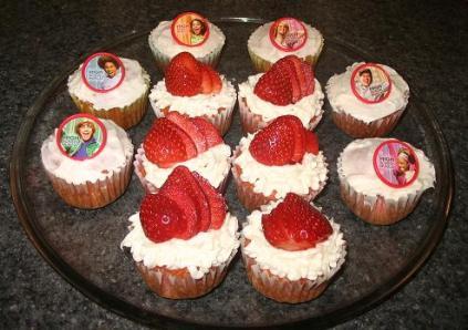 small-cupcakes.jpg